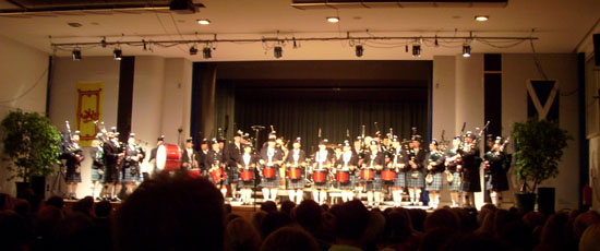 claymore-pipes-and-drums