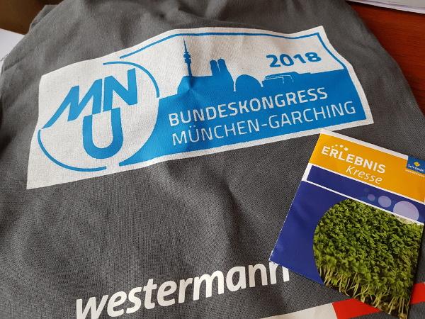 Tasche mit MNU-Logo, Kressesamen als Verlagswerbung