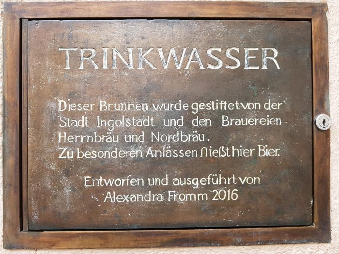 Schild am Ingolstädter Bierbrunnen
