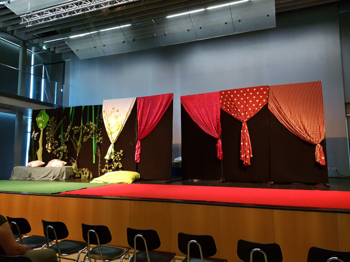 Bühnendeko für Schulaufführung